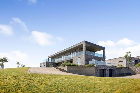 Villa på Stenkærgård i Rask Mølle - Ejendommen