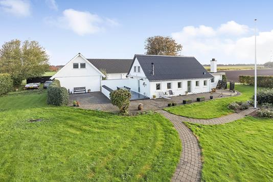 Villa på Hedevej i Uldum - Ejendommen
