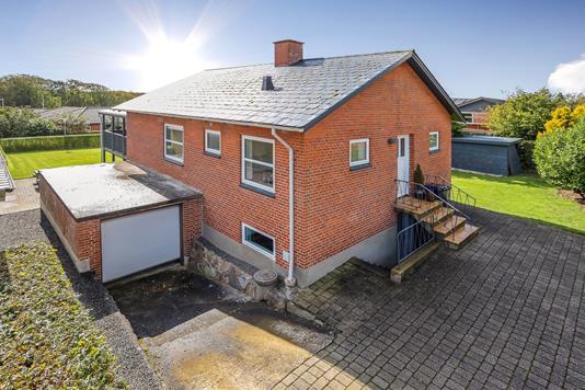 Villa på Anlægsvej i Nørre Snede - Ejendommen