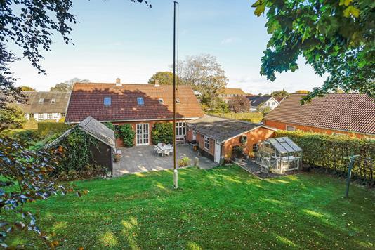 Villa på Skolegade i Uldum - Ejendommen
