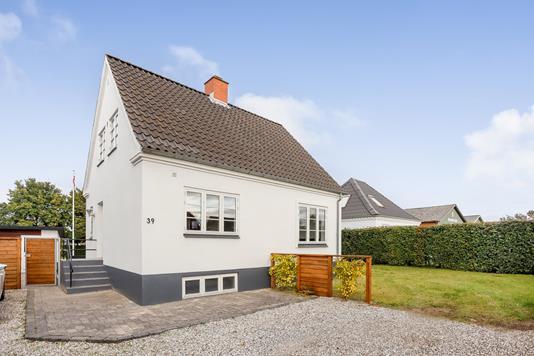 Villa på Sønderbrogade i Tørring - Ejendommen