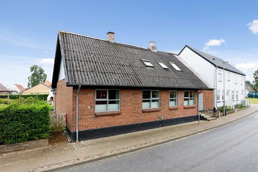 Villa på Aale Bygade i Tørring - Ejendommen