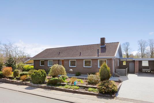 Villa på Elmevej i Vonge - Ejendommen