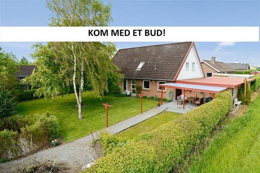 Villa på Skolehaven i Tørring - Ejendommen