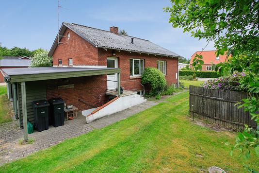 Villa på Vesterlundvej i Give - Hus
