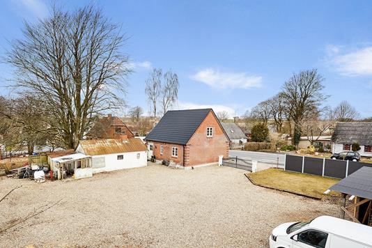 Villa på Horsensvej i Nørre Snede - Gårdsplads