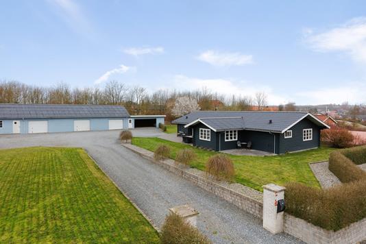 Villa på Møllersmindevej i Rask Mølle - Ejendommen
