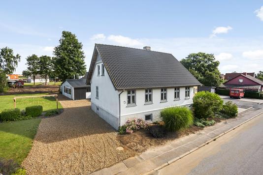Villa på Rogårdsvej i Tørring - Ejendommen