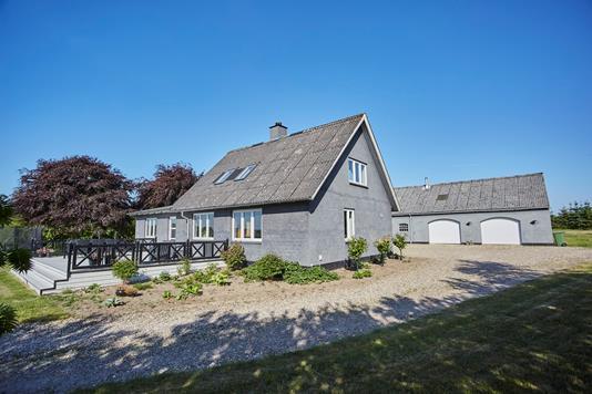 Villa på Brædstrupvej i Tørring - Ejendommen