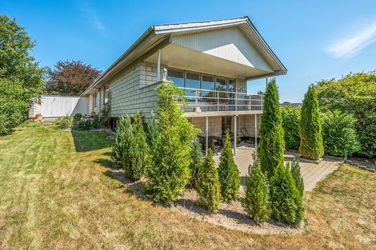 Villa på Skolevangen i Tjele - Ejendommen