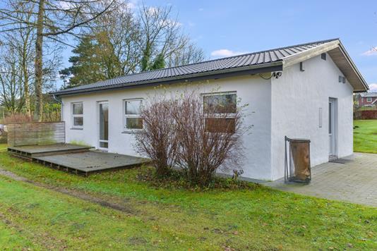 Villa på Hobro Landevej i Tjele - Ejendommen