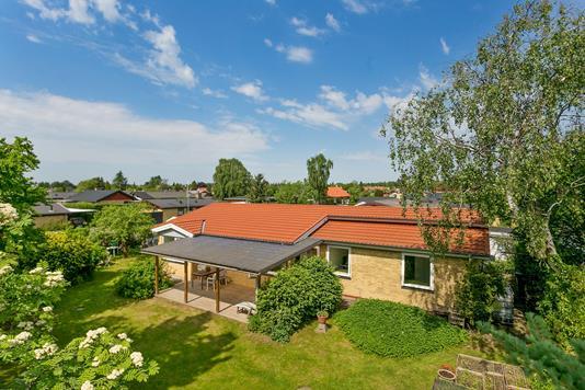 Villa på Nederbyvej i Skovlunde - Set fra haven