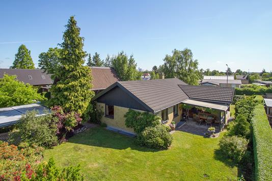 Villa på Stensbyvej i Skovlunde - Forsidebillede