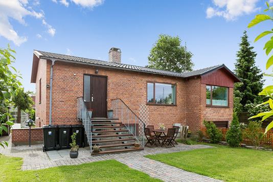 Villa på Lundemarken i Skovlunde - Forsidebillede