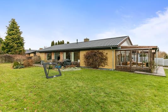 Villa på Kirkebyvej i Skovlunde - Ejendommen