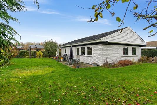 Villa på Askeengen i Skovlunde - Set fra haven