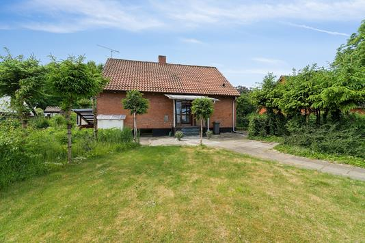 Villa på Harrestrupvej i Skovlunde - Set fra haven