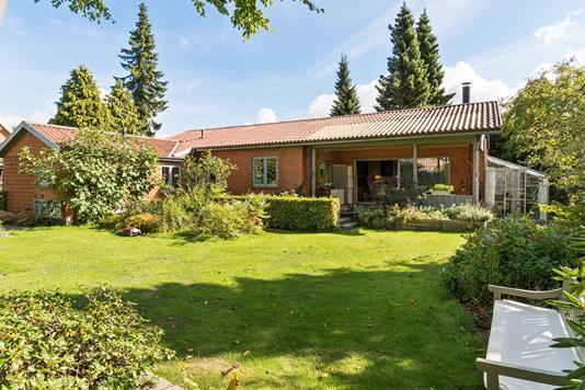 Villa på Korsagervej i Skovlunde - Set fra haven