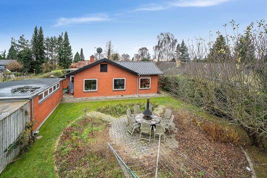 Villa på Hasselvej i Skovlunde - Set fra haven