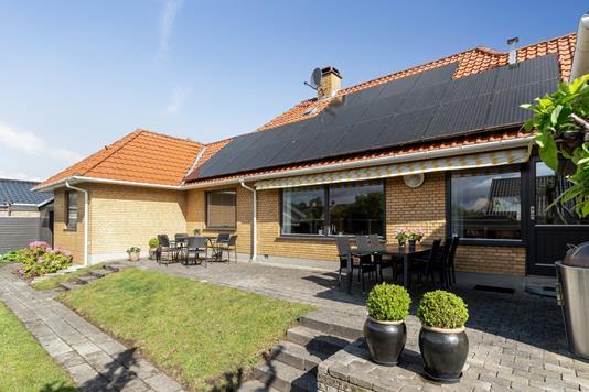 Villa på Kirkebyvej i Skovlunde - Set fra haven