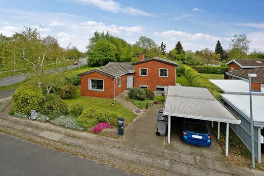 Villa på Tjørnevænget i Skovlunde - Set fra vejen