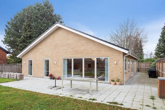 Villa på Skovlunde Byvej i Skovlunde - Set fra haven