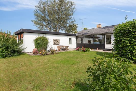 Villa på Hybenvænget i Skovlunde - Set fra haven