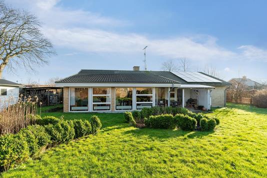 Villa på Bybjergvej i Skovlunde - Set fra haven