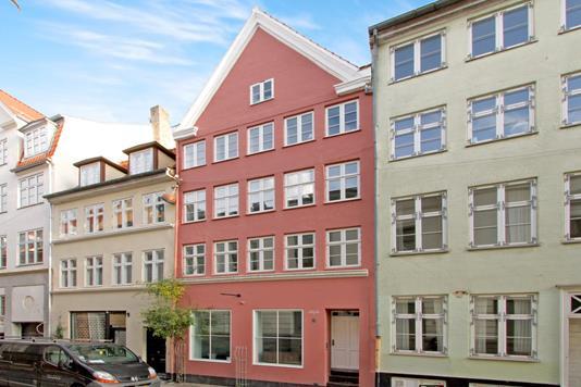 Villa på Valkendorfsgade i København K - Ejendommen
