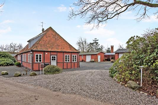 Villa på Hvidbjerghusvej i Børkop - Ejendom 1