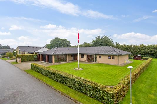 Villa på Kragelundvænget i Børkop - Set fra vejen