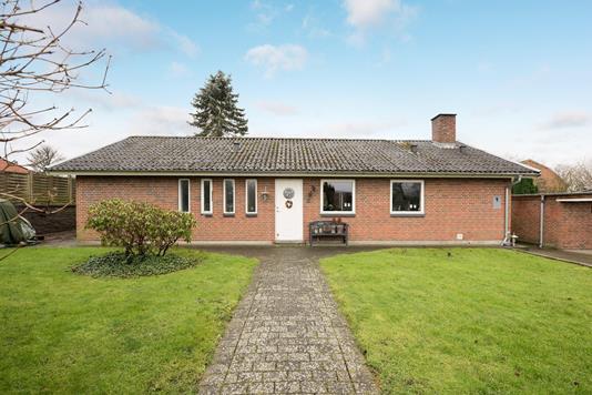 Villa på Valmuevænget i Aarup - Ejendommen