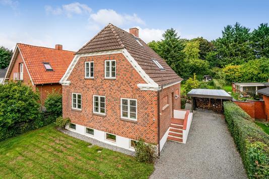 Villa på Grønnevej i Glamsbjerg - Ejendommen
