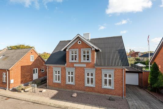 Villa på Fredensgade i Aarup - Ejendommen