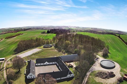 Landejendom på Myllerupgyden i Assens - Luftfoto
