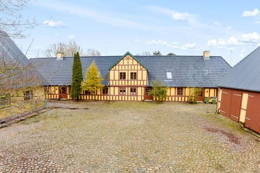 Landejendom på Skovs-Højrup-Vej i Odense N - Andet