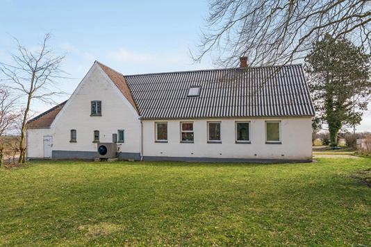 Landejendom på Roerslevvej i Otterup - Ejendommen