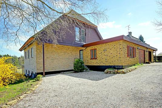Villa på Hornbækvej i Tikøb - Ejendommen
