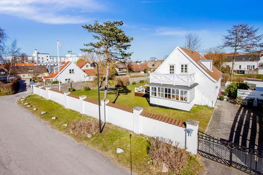 Villa på Vestre Stejlebakke i Hornbæk - Ejendommen