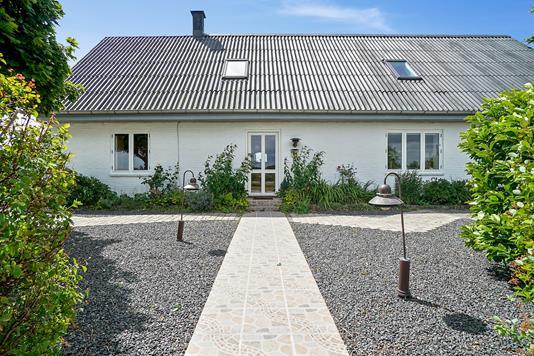 Villa på Gl Ravnsøvej i Låsby - Set fra haven