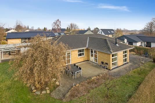 Villa på Grønhøjvej i Harlev J - Ejendommen