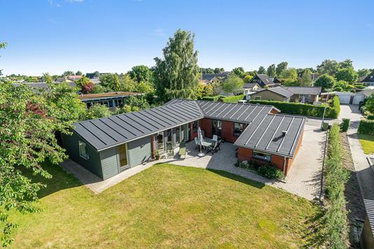 Villa på Acervej i Harlev J - Set fra haven