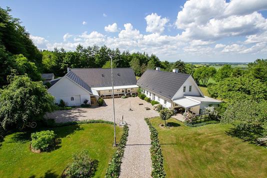 Villa på Voldbyvej i Galten - Set fra vejen