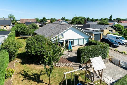 Villa på Østervangen i Galten - Set fra vejen
