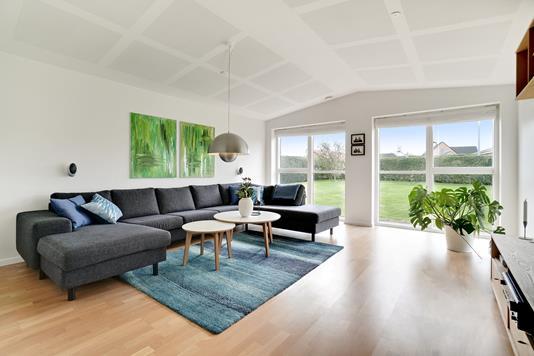 Villa på Jens Martin Knudsens Vej i Låsby - Stue