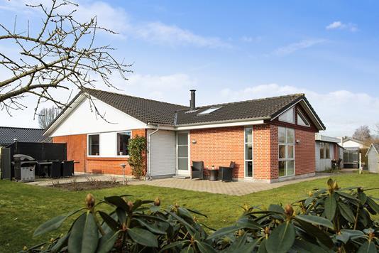 Villa på Samsøvej i Galten - Ejendommen