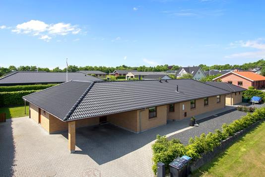 Villa på Bredsigbakke i Sorring - Ejendommen