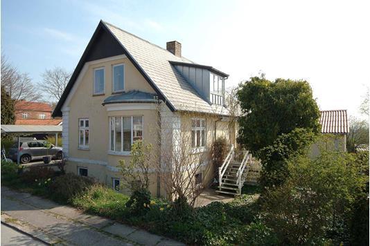 Villa på Gammel Stillingvej i Harlev J - Ejendommen