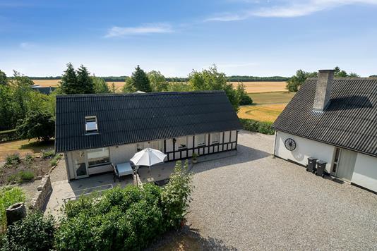 Villa på Lyngballevej i Galten - Set fra vejen