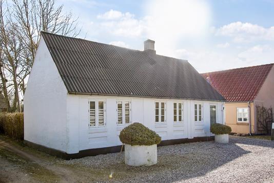 Villa på Grønnegade i Låsby - Ejendommen